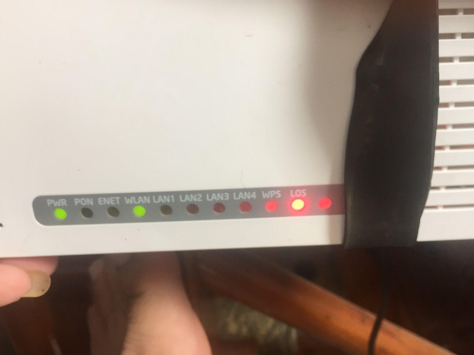 modem đèn LOS màu đỏ
